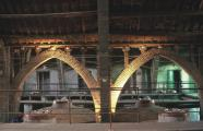 The three naves of the structure are separated by brickwork arches. L'Espluga de Francolí